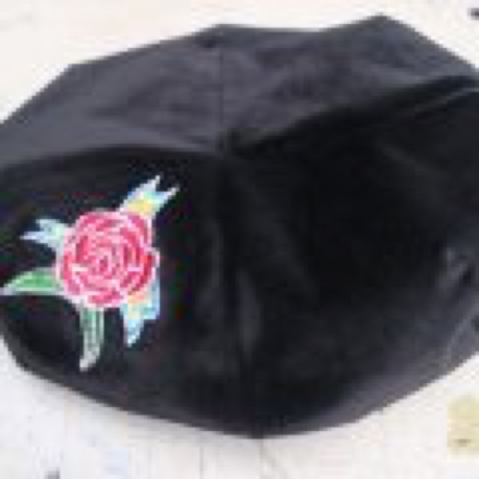 ROSE BIGBERET  /  BLACK CORDUROY